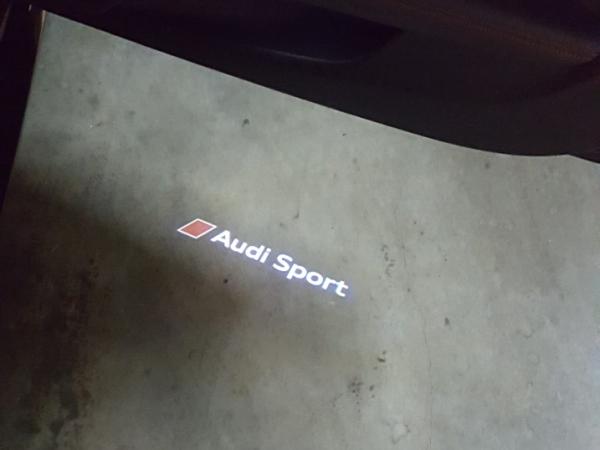"""Audi Original LED Projektor """"Audi Sport"""" Einstiegsbeleuchtung mit schmalen Stecker"""