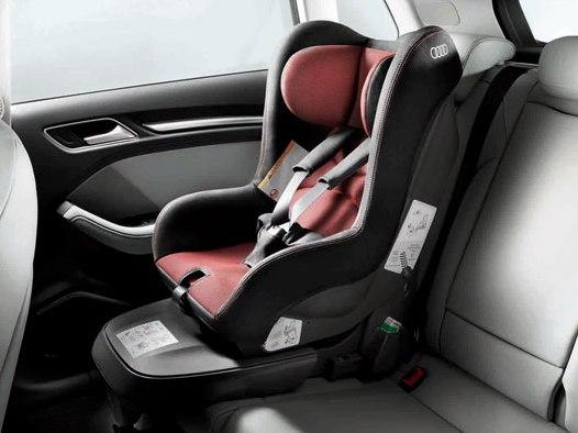 Audi Kindersitz misanorot/schwarz
