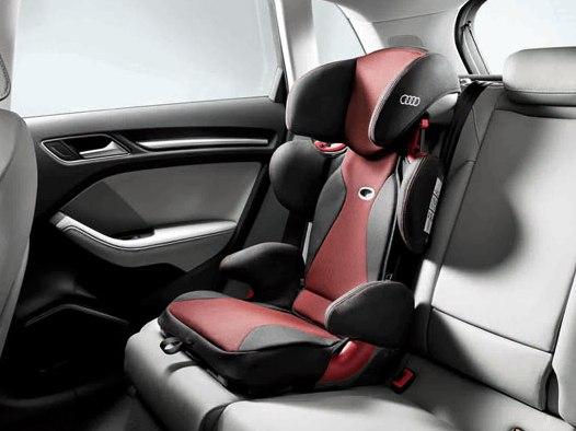 Audi Kindersitz youngster plus, misanorot/schwarz