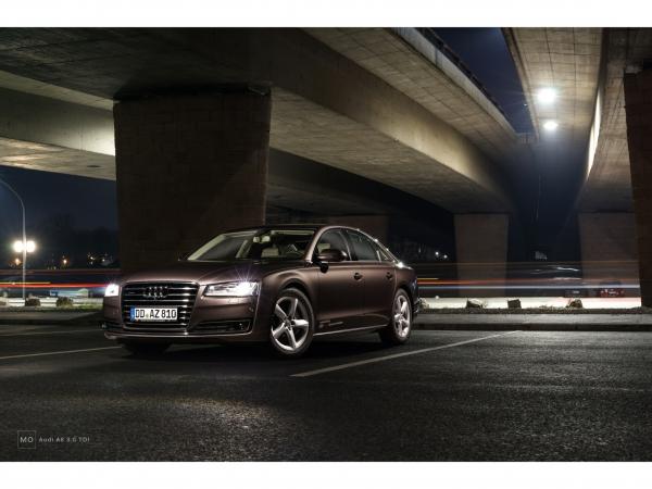 "Audi A8 Wandbild auf gebürstetem Aluminium ""under the bridge"""