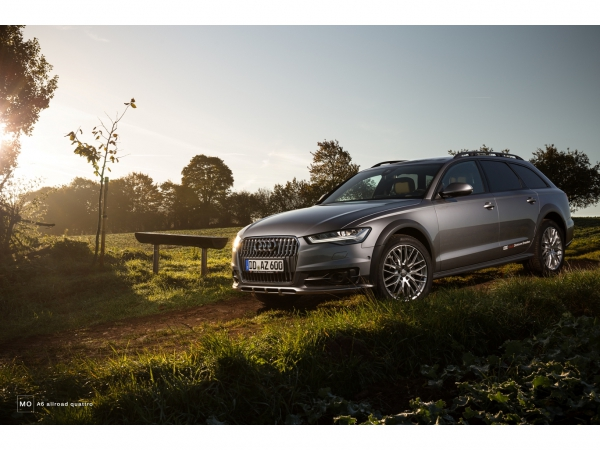 "Audi A6 allroad Wandbild auf gebürstetem Aluminium ""sunrise"""