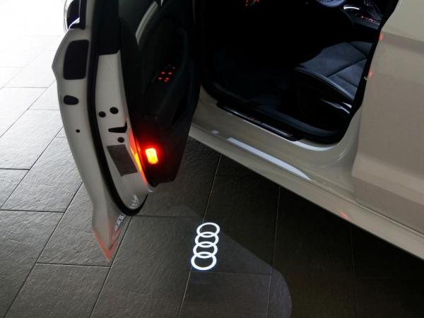 "Audi Original LED Projektor ""Audi Ringe"" Einstiegsbeleuchtung mit breitem Stecker"