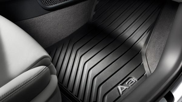 Audi Original Gummifußmatten vorn Audi A3 8V mit Schriftzug in silber, ab Mj. 2013