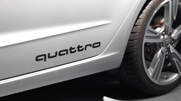 Audi Original Aufkleberset Quattro Schriftzug