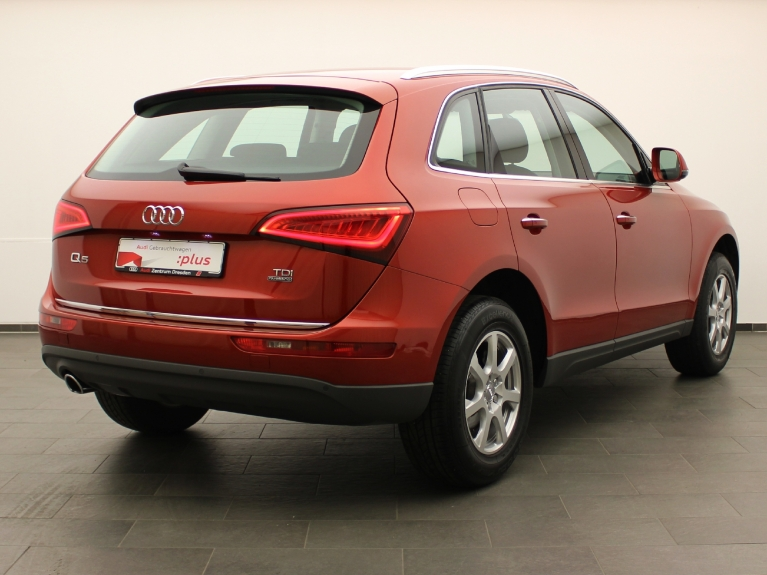 audi q5 2 0 tdi quattro clean diesel xenon plus. Black Bedroom Furniture Sets. Home Design Ideas