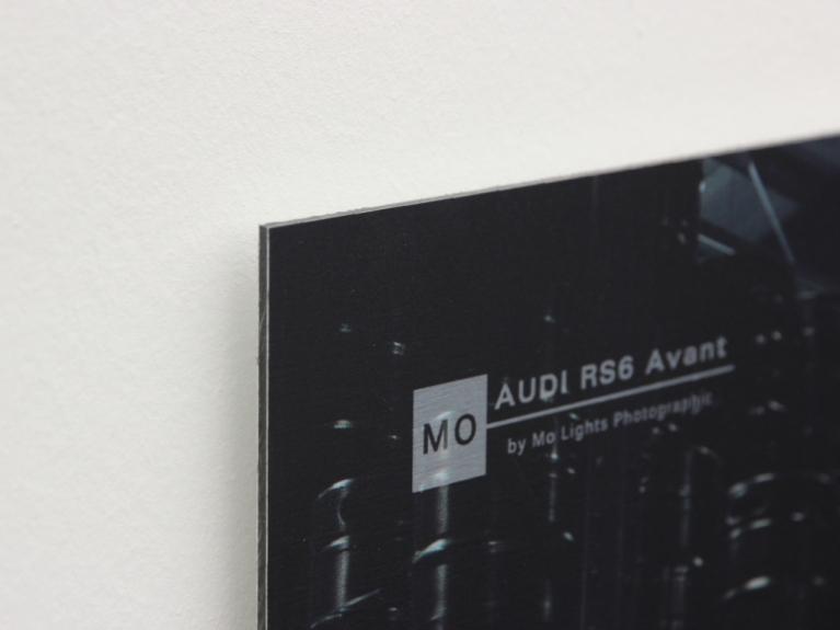 audi rs6 wandbild auf geb rstetem aluminium front. Black Bedroom Furniture Sets. Home Design Ideas