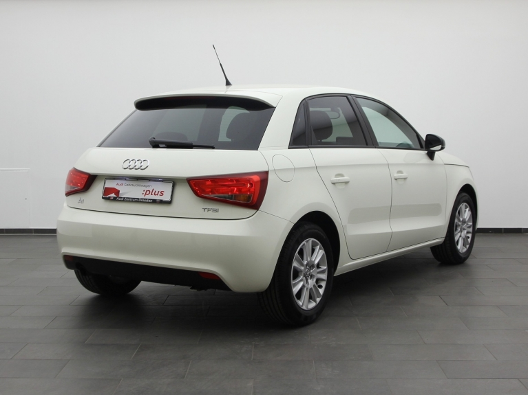 audi a1 sportback 1 2 tfsi attraction navi klima. Black Bedroom Furniture Sets. Home Design Ideas